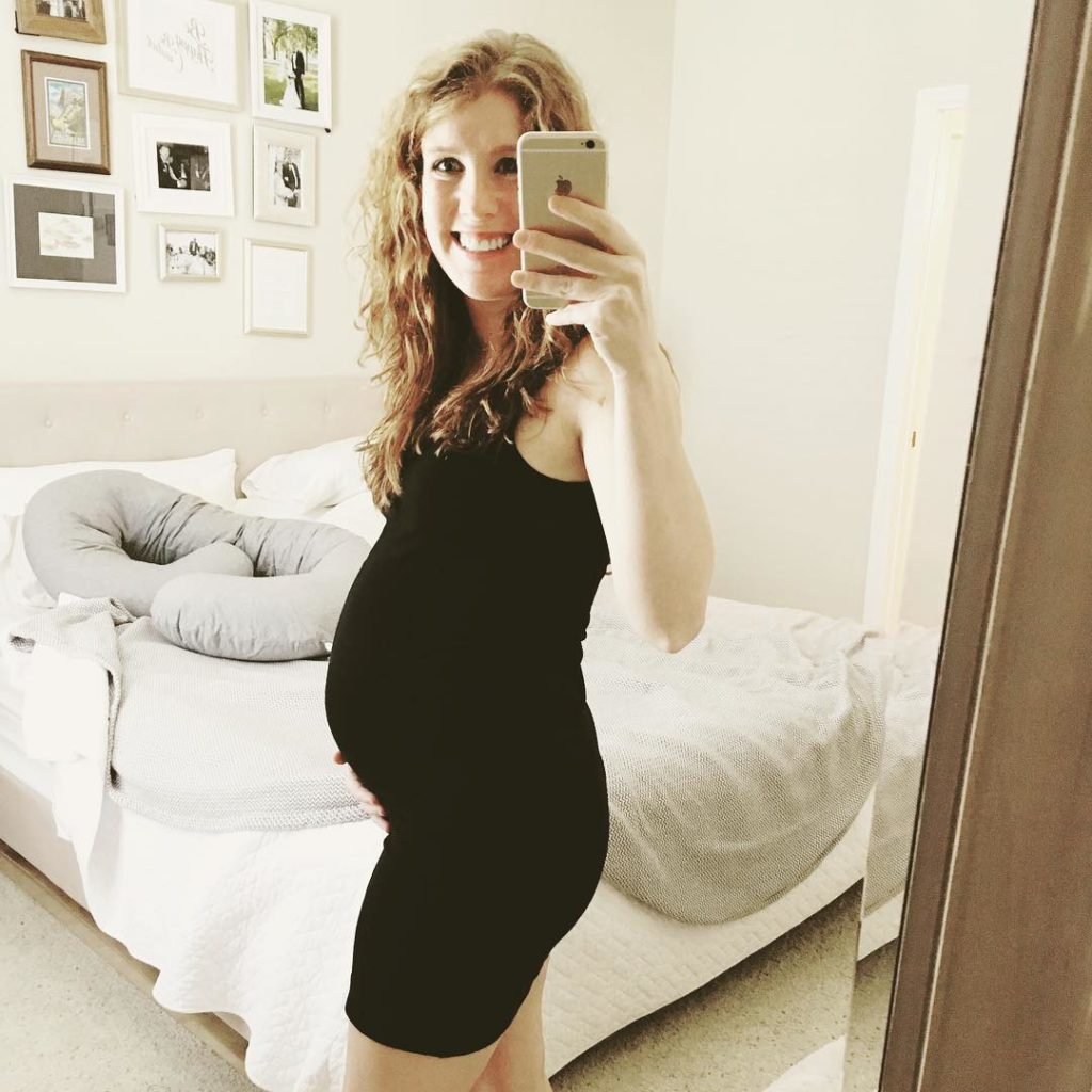 22 week bump! new blog post is up talking all about week 22 prego with #twins! #22weeks