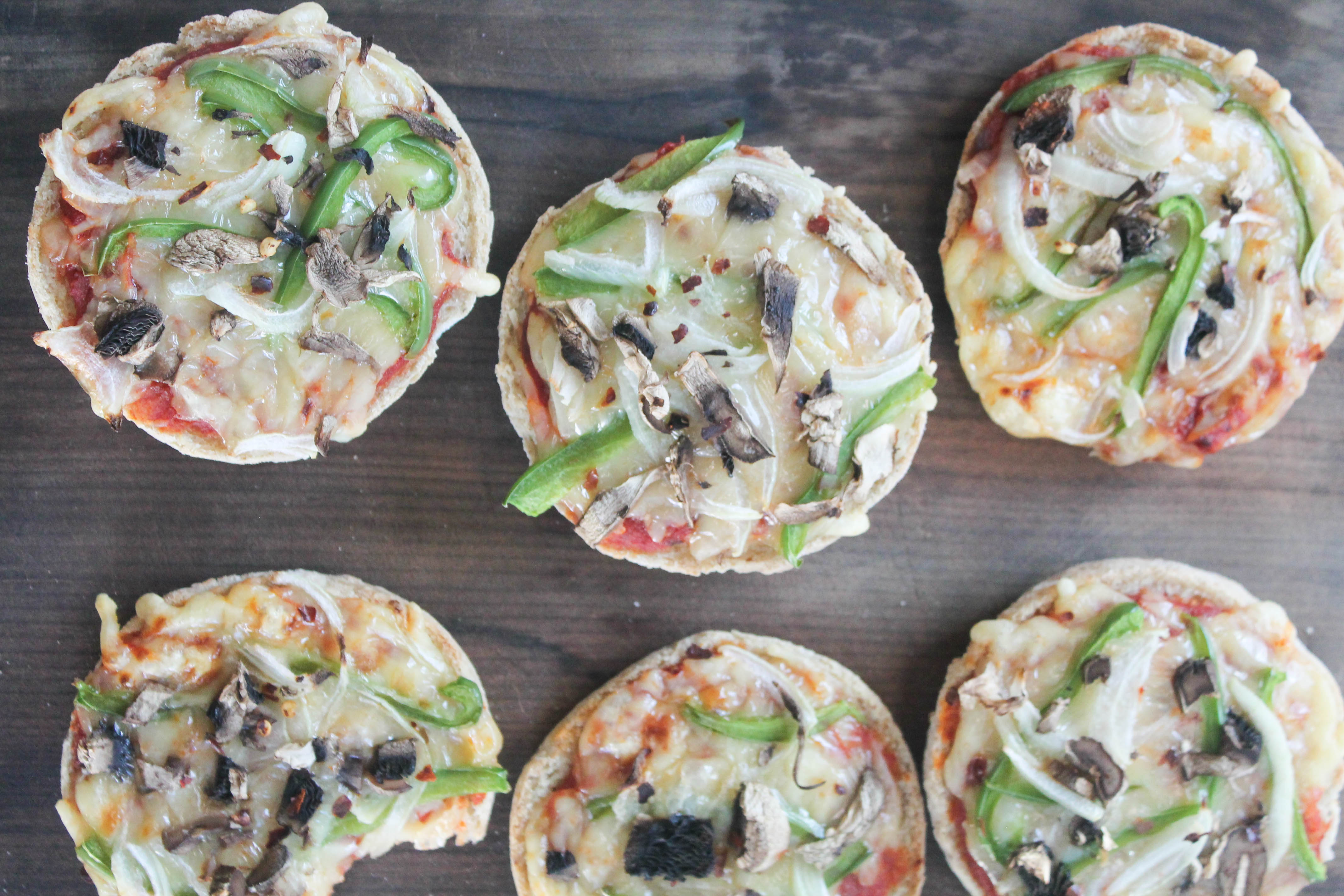 gf english muffin pizzas (& homemade pizza sauce) - healing whole ...