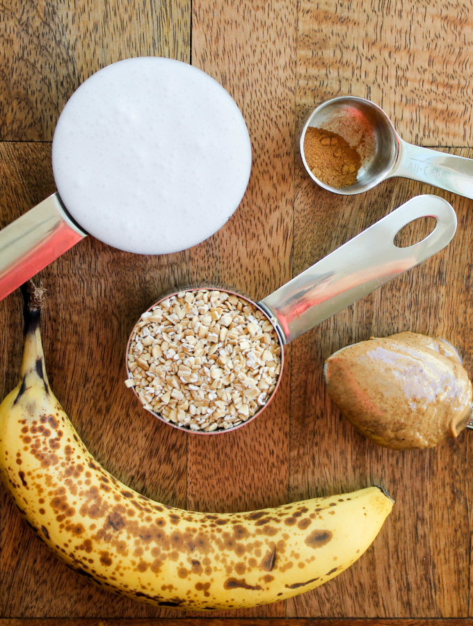 almond butter banana overnight oats
